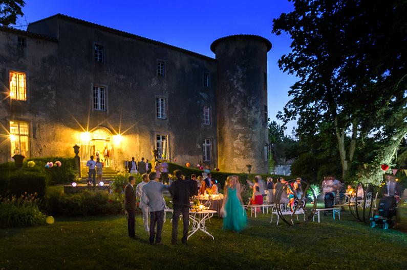 Réception de mariage dans le domaine du château / Wedding reception in the castle grounds
