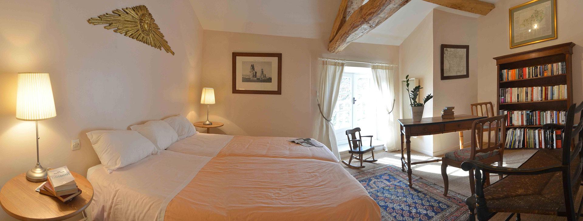 Chambre Soleil / Sun Bedroom