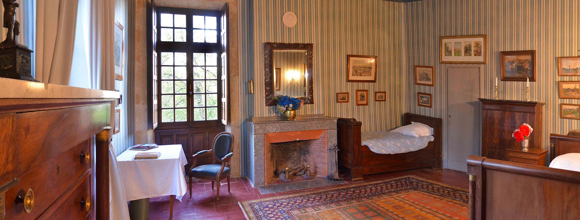 Chambre bleue / Blue bedroom